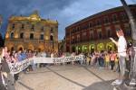 Abierto Hasta El Amanecer protesta ante el Ayuntamiento de Gijón